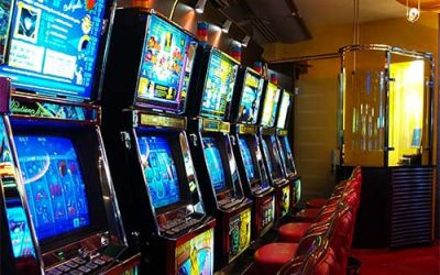 Video poker games with Microgaming technology